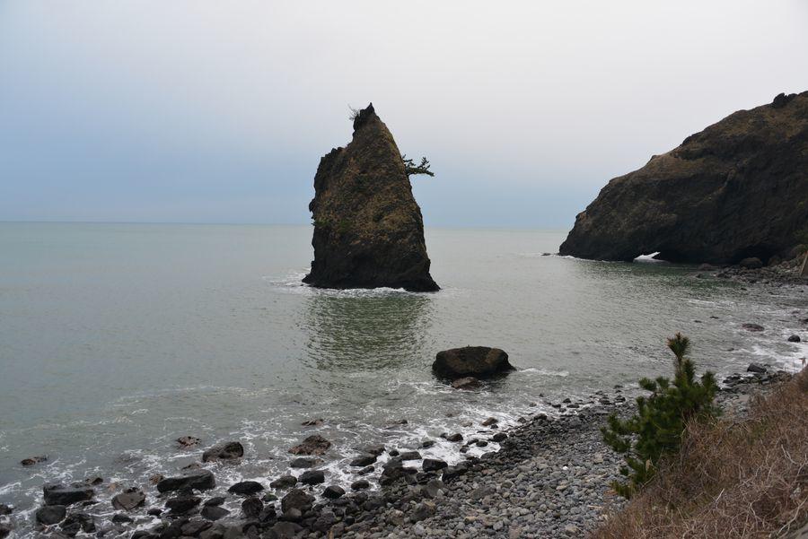 凪の立岩-1