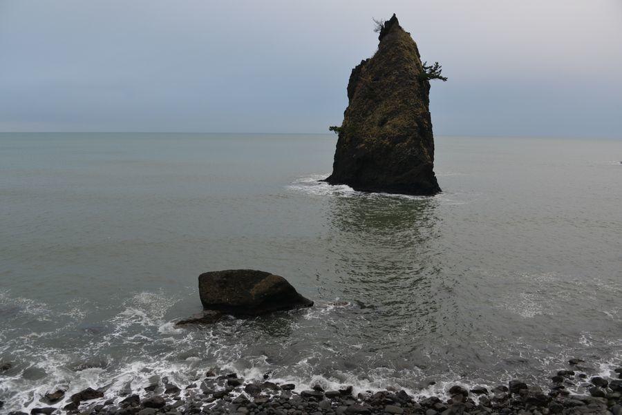 凪の立岩-2