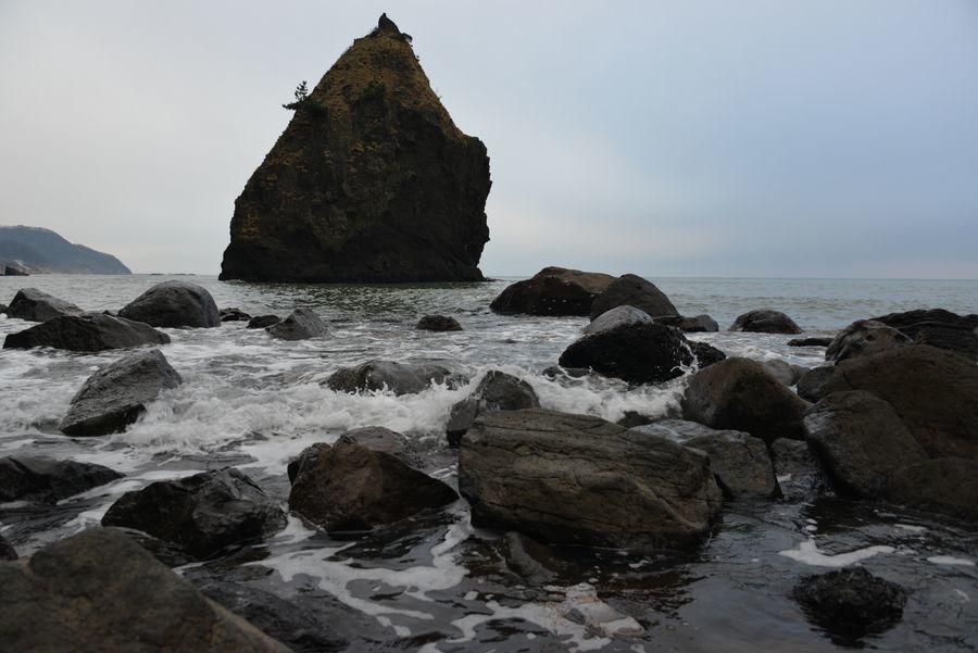 凪の立岩-3