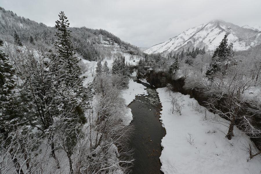 橋の上から 渓谷-1