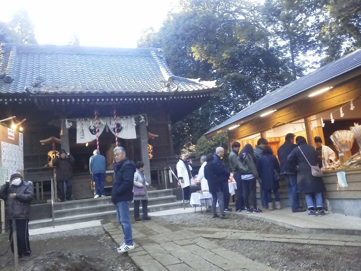 F1000004平成29年初詣膝折子の神氷川神社