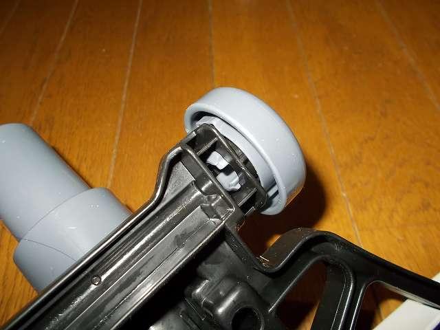 ツインバード TWINBIRD サイクロンスティック型クリーナー ホワイト TC-EA17W 床用吸込口 後部ローラー