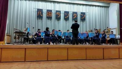 多々良中央中学校の演奏