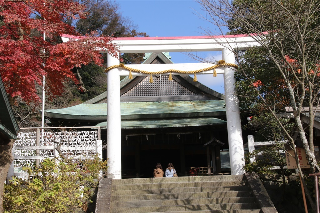 鎌倉宮_拝殿_1