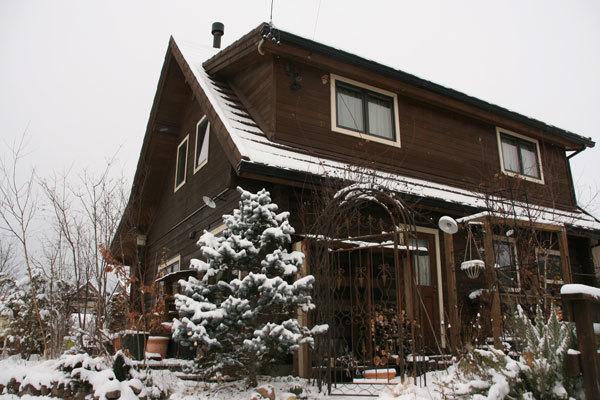 雪のログハウス