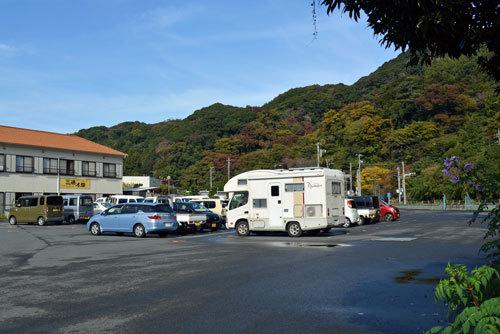 朝の駐車場