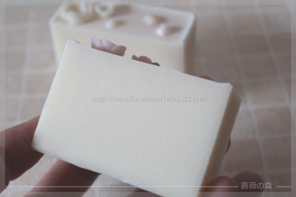 フラワーコンフェティーソープ 椿油石鹸 手作り石けん 20161120
