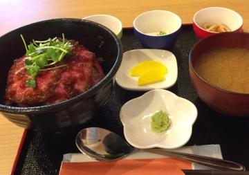 ローストビーフ丼 (1)_500