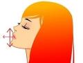 口を開いて舌を出す女性