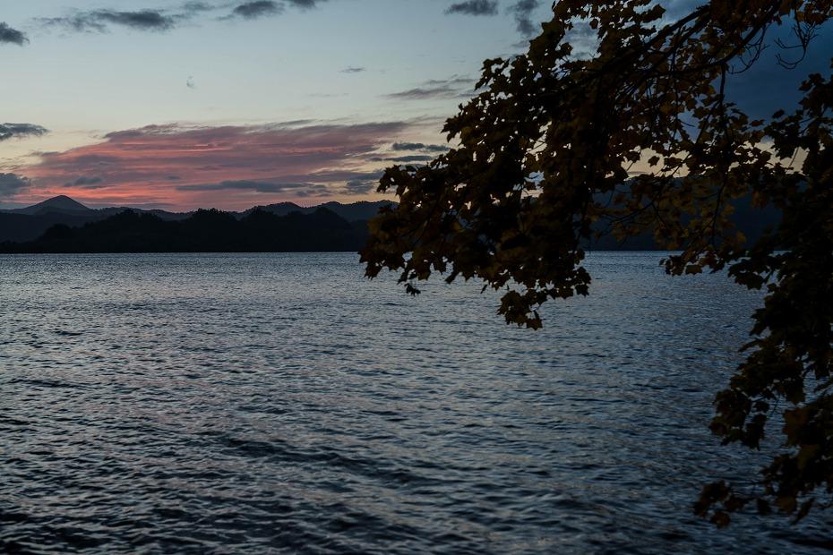 2016.10.28十和田湖の朝景2