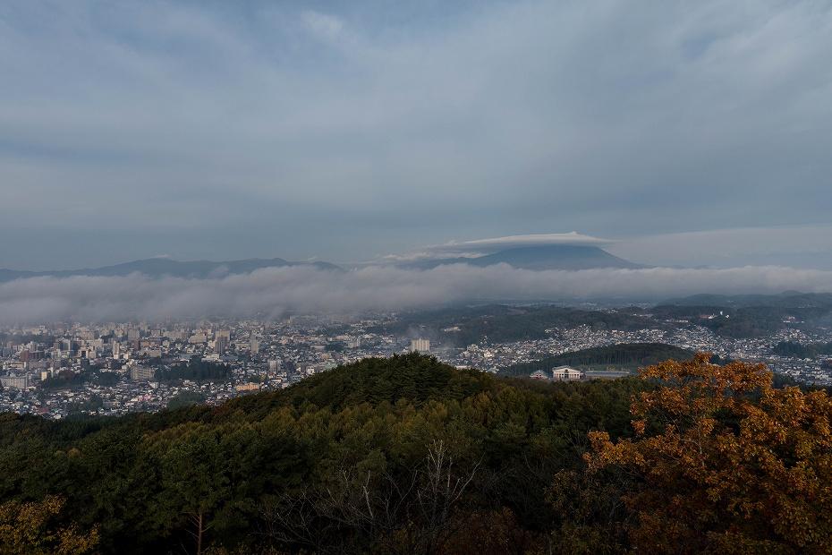 2016.10.31岩手山の笠雲1