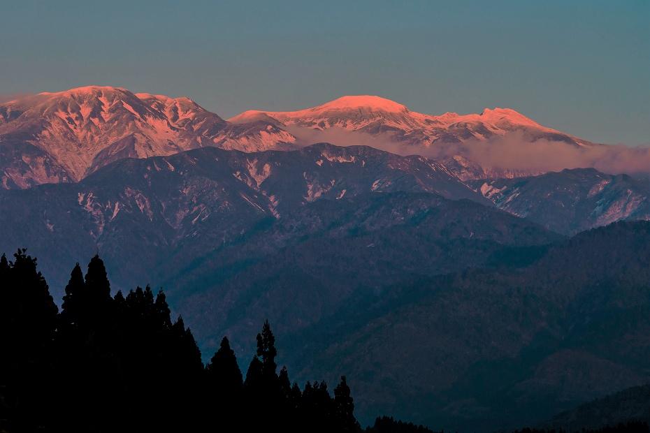 2016.11.04夕焼けに染まる白山