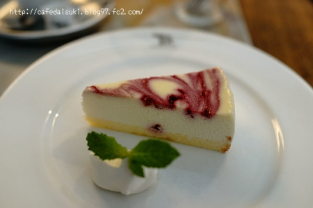 1988 CAFE SHOZO◇ラズベリーソースの白いチーズケーキ