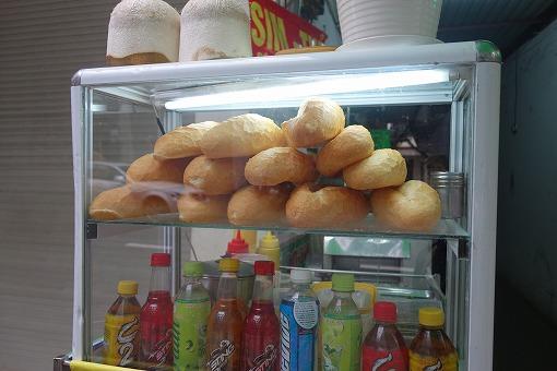 フランスパンが並ぶ