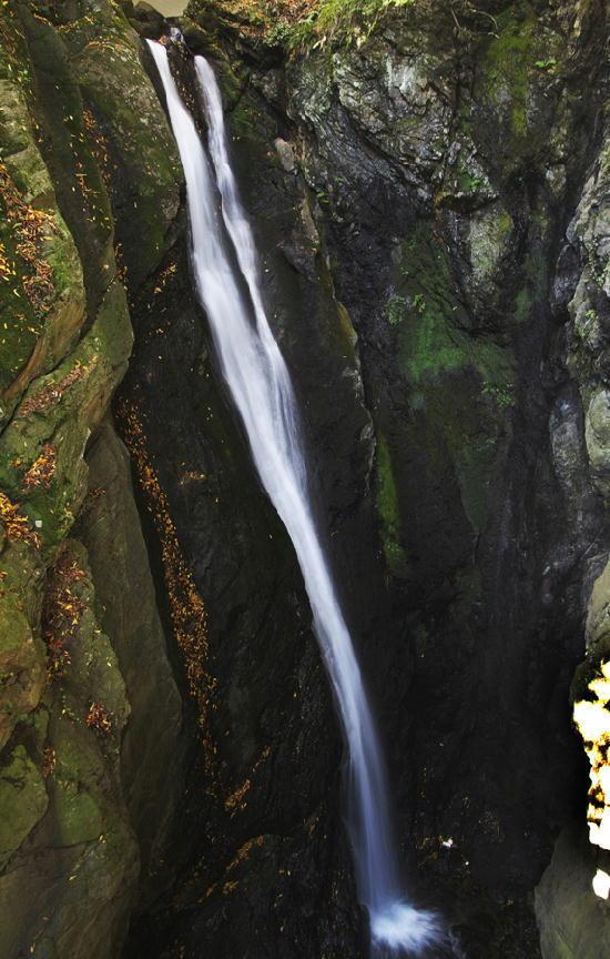 双龍の滝-685
