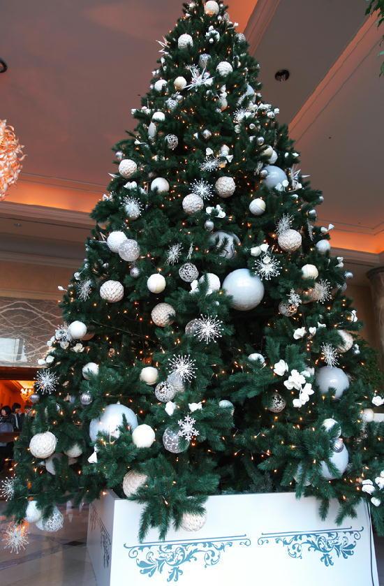 ホテルのクリスマスツリー273