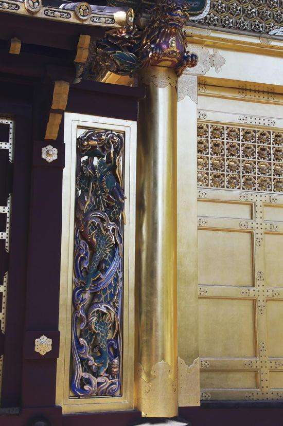 門の彫刻-124