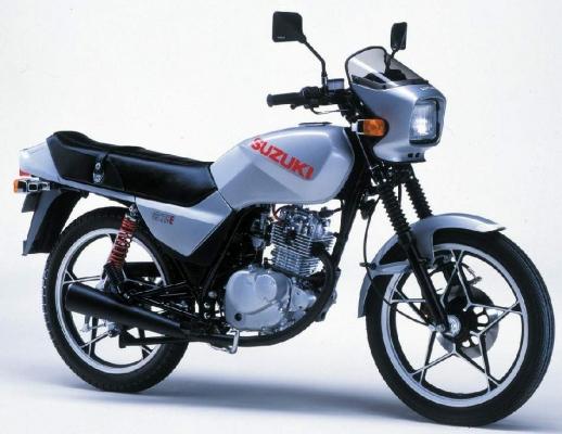 Suzuki GS125E 82