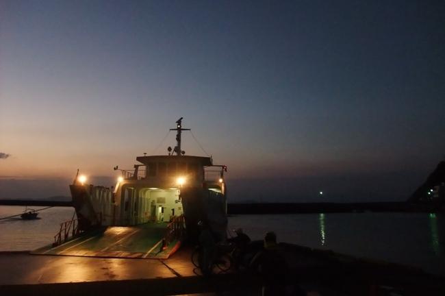 岡村島から今治港へのフェリー