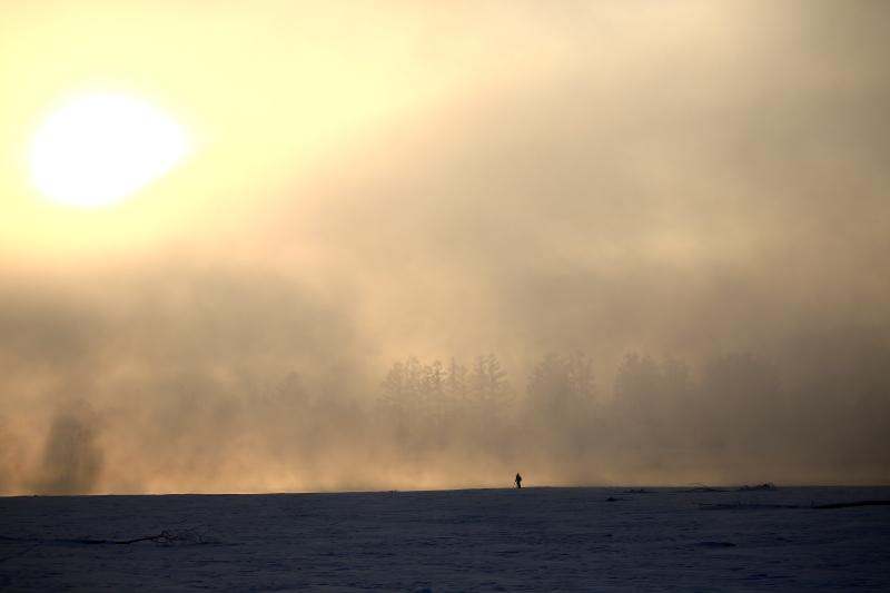 232 濃霧から日の出0001