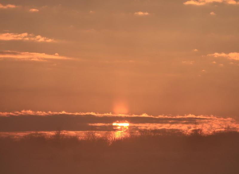 037 川原からの日の出0001