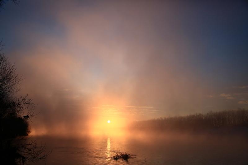 077 川原からの日の出0001