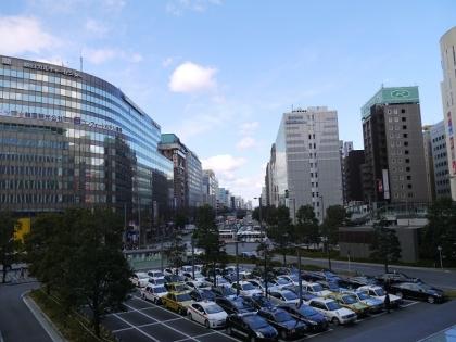 JR博多駅博多口から大博通りを望む