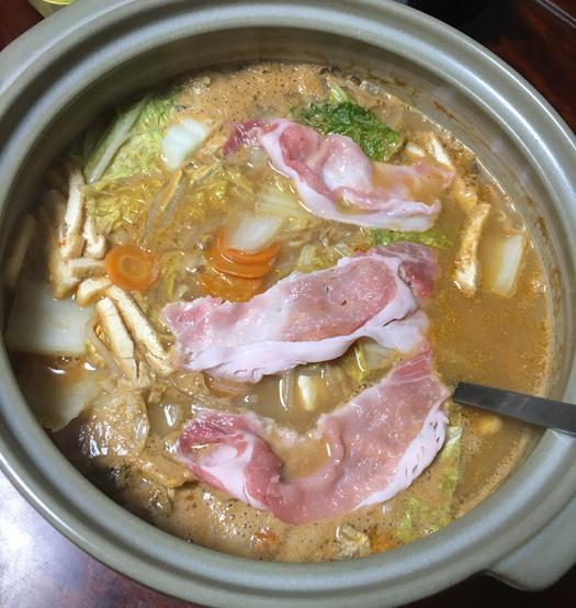 とり野菜みそ鍋_ごまみそ鍋スープ(まつや)中身