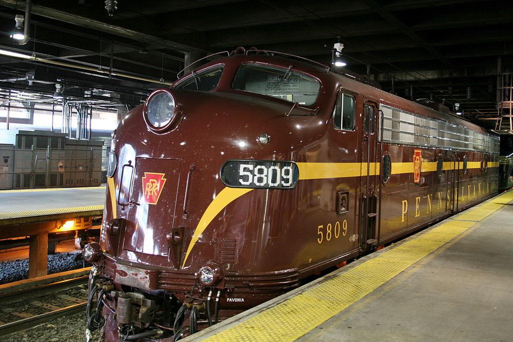 1024px-Pennsylvania_Railroad,_E8,_5711
