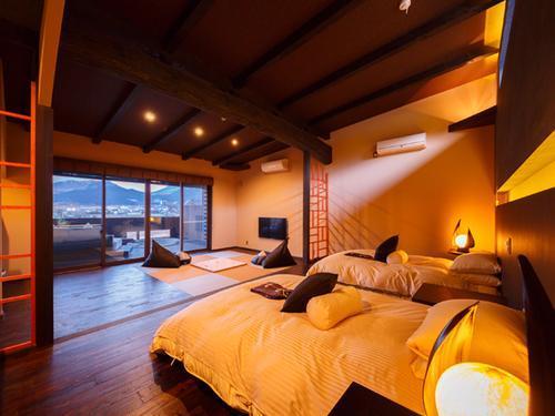 luxuryvillaroom.jpg