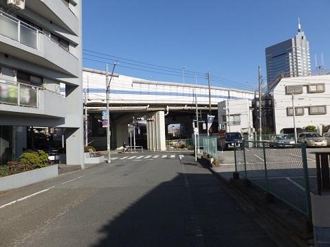 渋谷町水道みち・首都高と交差