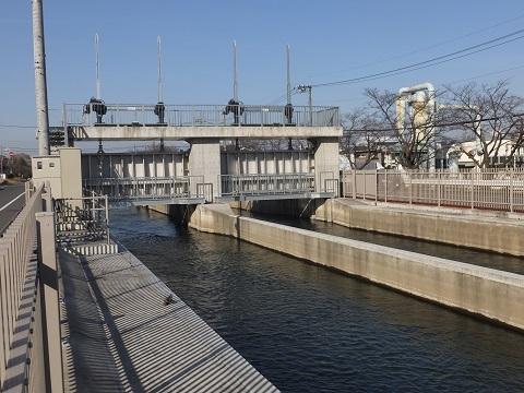 武蔵水路・長野制水ゲート