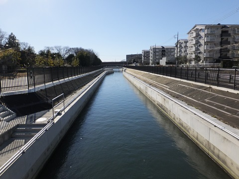 R17糟田橋より武蔵水路下流を望む