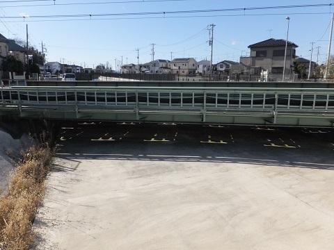 武蔵水路・高崎線と立体交差