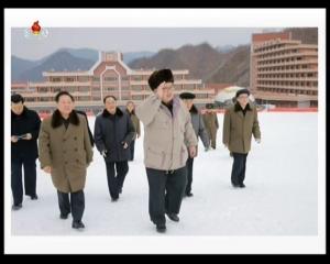 20161220 경애하는 최고령도자 김정은동지께서 《마식령스키경기-2016》을 관람하시였다mp4_000110649