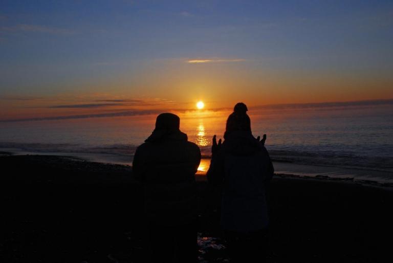 恋問海岸 初日の出