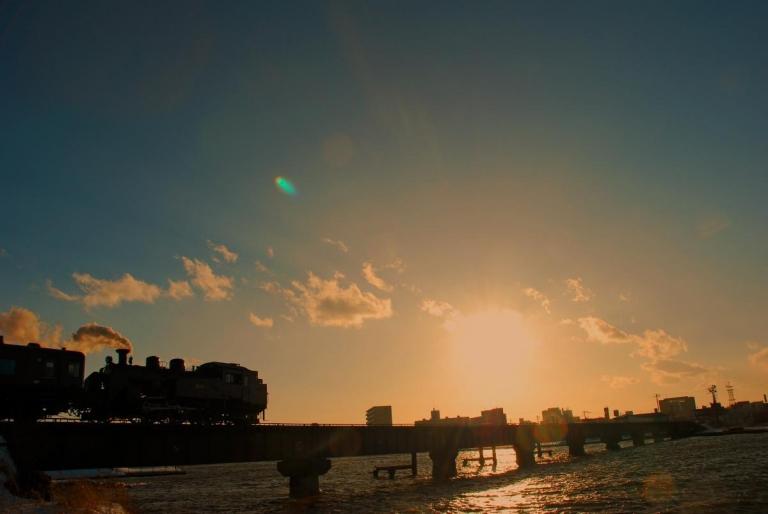 SL冬の湿原号  釧路川河口
