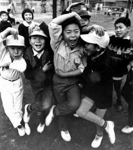 1965 シェー当時の子どもたち