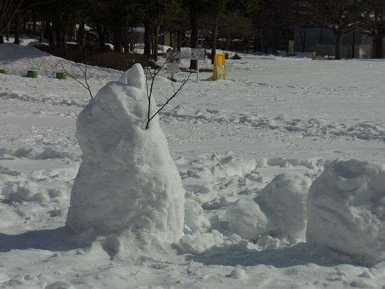 公園の雪だるま
