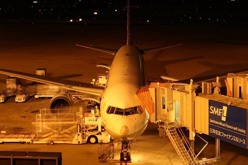 伊丹空港、9
