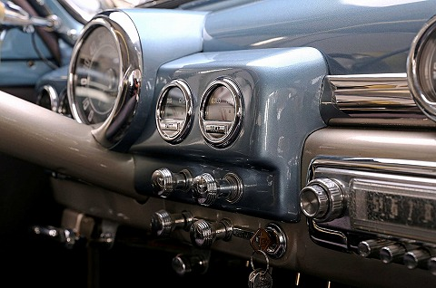 1949-mercury-eight-gauge-cluster.jpg