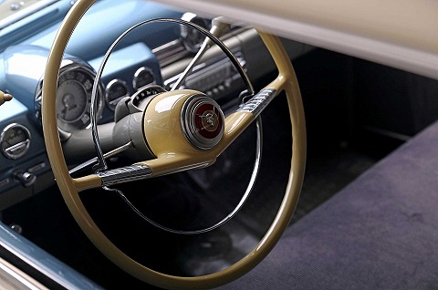 1949-mercury-eight-steering-wheel.jpg