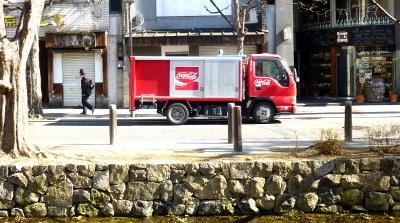 コカ・コーラの車