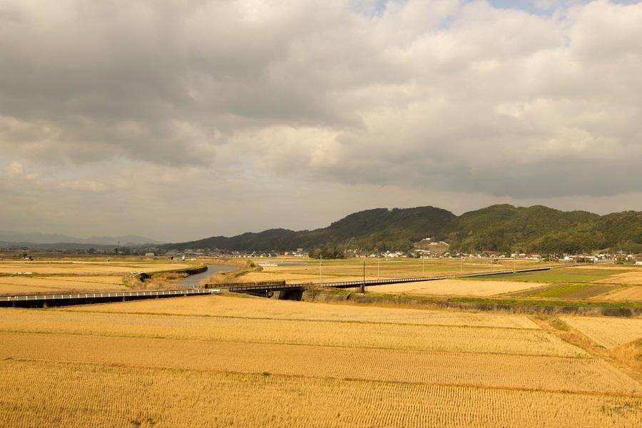 遠賀川に沿って広がる大隈の平野