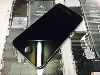 iPhone4ガラス割れ1