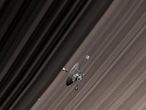 800px-Pioneer11_Saturn_rings.jpg