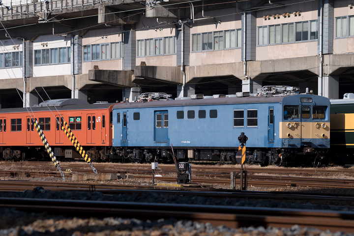 クモヤ145-713s
