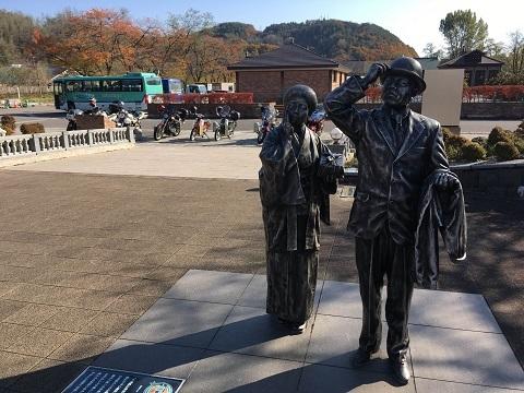 31小坂銅像