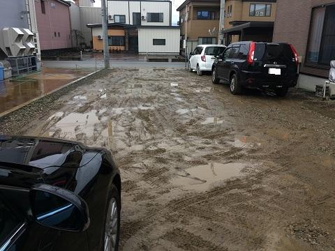 シロクロ駐車場