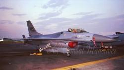85横田@03-34 F-16(WP)のコピー